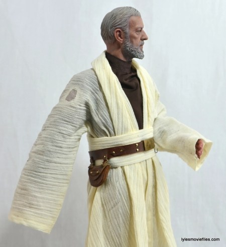 Hot Toys Obi-Wan Kenobi figure review -right side tunic