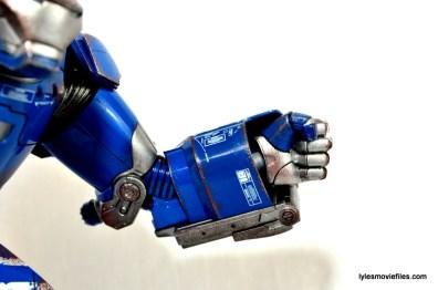Iron Man 3 Igor Comicave Studios figure review - left arm detail