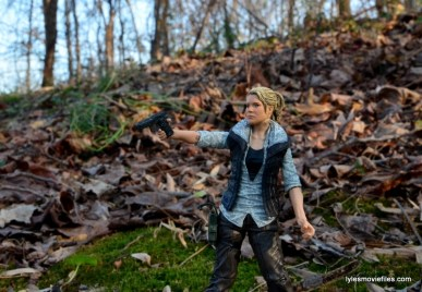 The Walking Dead Andrea figure review - aiming gun
