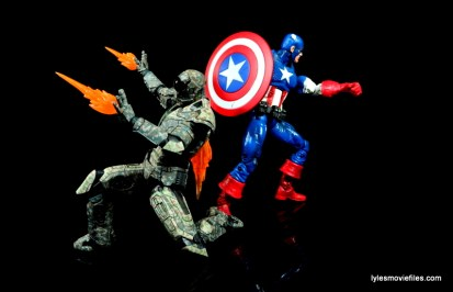 Comicave Studios Iron Man Shades figure review - fighting with Captain America