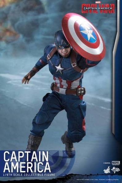 Hot Toys Captain America Civil War Captain America figure -using shield