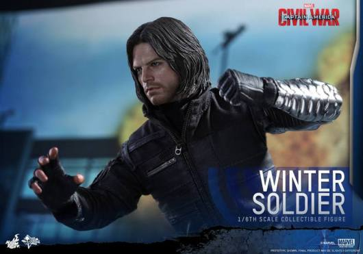 Hot Toys Captain America Civil War Winter Soldier figure -ready to strike