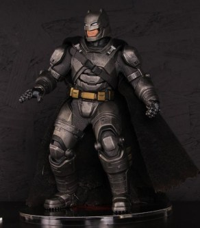Mezco Toys pre-Toy Fair - Batman v Superman - Armored Batman