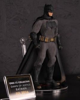 Mezco Toys pre-Toy Fair - Batman v Superman - Batman