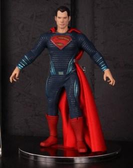 Mezco Toys pre-Toy Fair - Batman v Superman - Superman