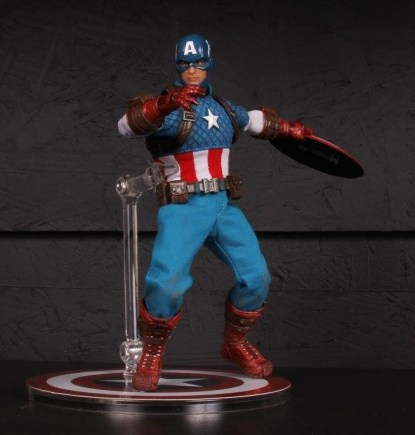 Mezco Toys pre-Toy Fair - Captain America