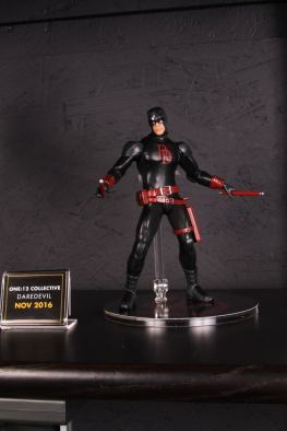 Mezco Toys pre-Toy Fair - Daredevil black outfit