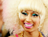nicki-minaj-in-stagemakeup