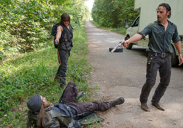 the walking dead the next world review - jesus, daryl and rick