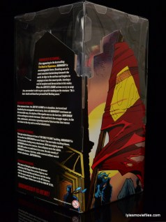 DC Signature Series Doomsday figure review - back inner package