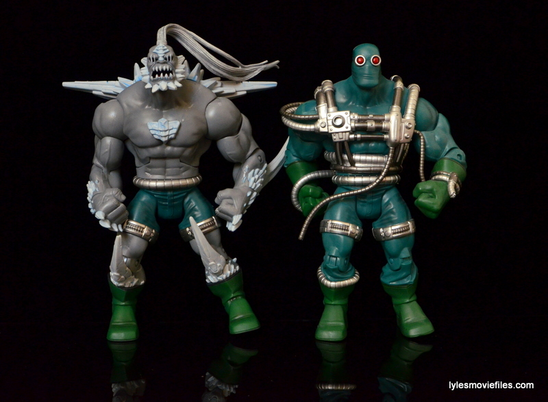 DC Signature Series Doomsday figure review - side by side with Doomsday ver.1
