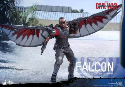Hot Toys Captain America Civil War Falcon figure - getting gun out