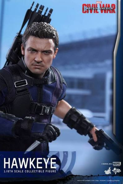 Hot Toys Captain America Civil War Hawkeye figure -with knife and gun