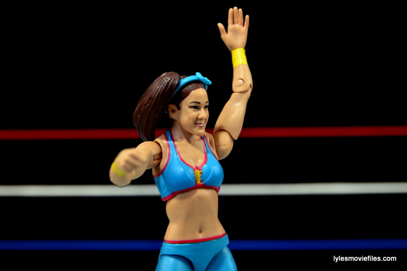 WWE Bayley figure review - hand up