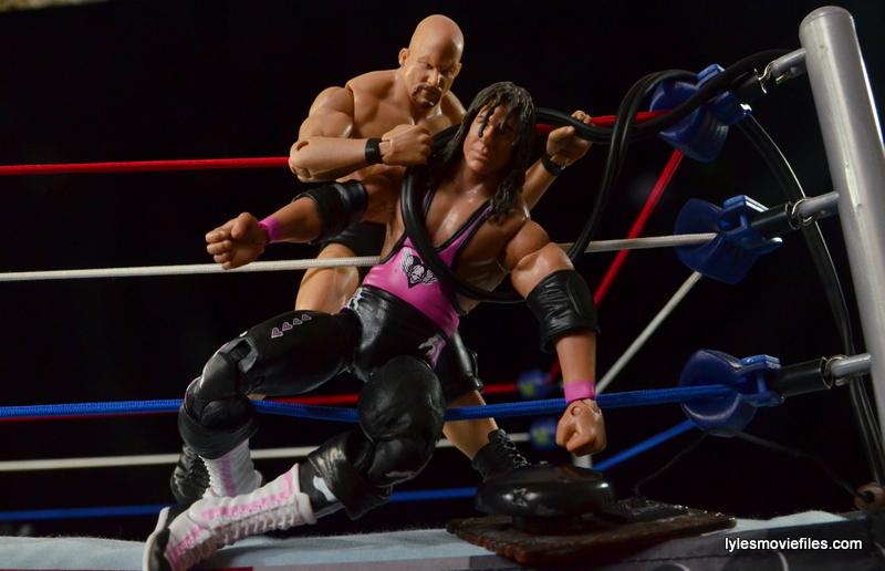 Wrestlemania 13 - Bret Hart vs Stone Cold - Bret goes for ringbell