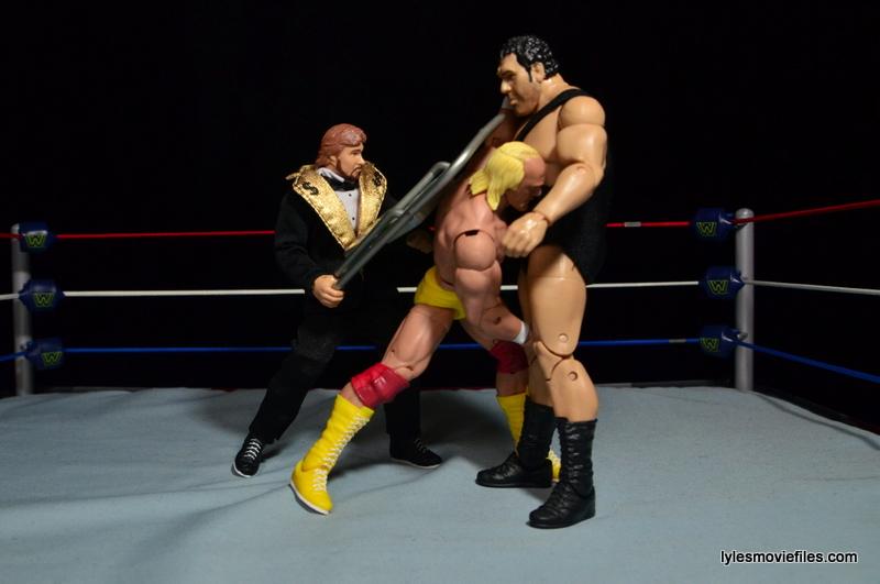 Wrestlemania 4 - DiBiase nails Hogan with chair