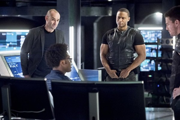 arrow-beacon-of-hope-review - lance, curtis, diggle and oliver