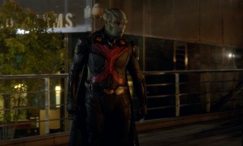supergirl falling review - Martian Manhunter