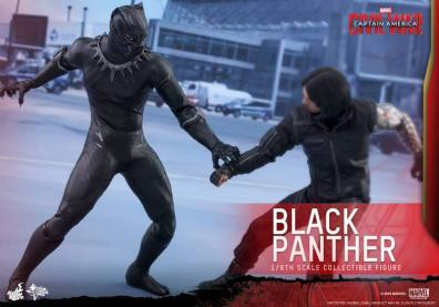 Hot Toys Black Panther figure -fighting Bucky