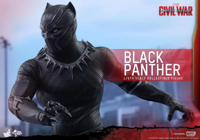 Hot Toys Black Panther figure -wider angle