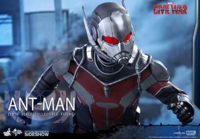 Hot Toys Civil War Ant-Man figure -closer view