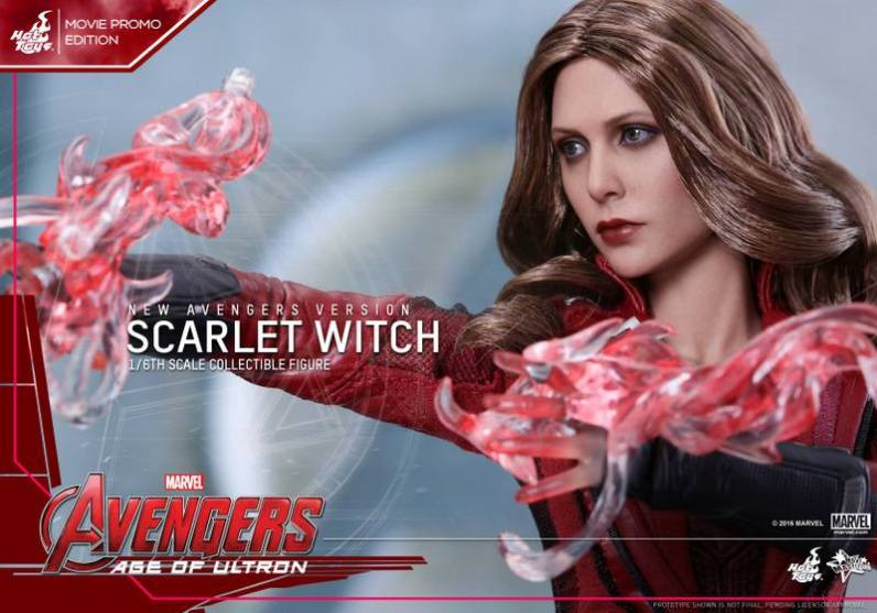Hot Toys New Avengers Scarlet Witch - powering up