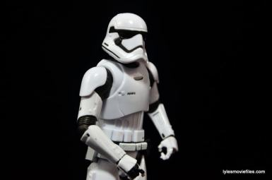 Star Wars The Force Awakens - The Black Series Stormtrooper review -looking out-min