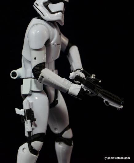 Star Wars The Force Awakens - The Black Series Stormtrooper review -pistol on side-min