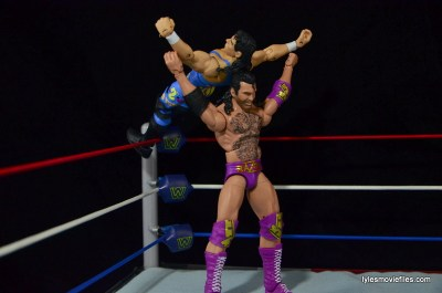 WWE 123 Kid figure review - taking Razor's Edge