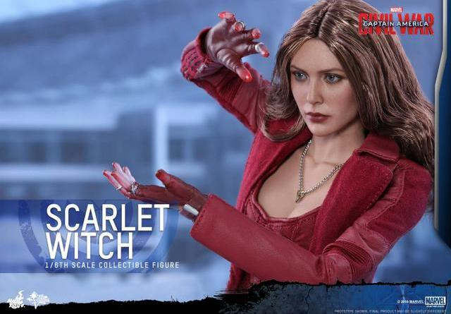 Hot Toys Scarlet Witch figure - focusing hex power