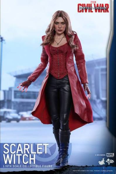 Hot Toys Scarlet Witch figure -heading to the fight