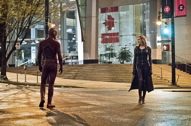 the flash - invincible review - flash and black siren-min