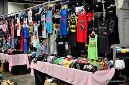 Awesome Con 2016 -T-shirt display-min
