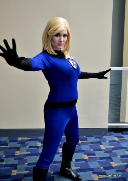 Awesome Con 2016 cosplay - Sarah Brice as Invisible Woman