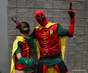 Awesome Con cosplay Day 2 -Robin and Deadpool Robin