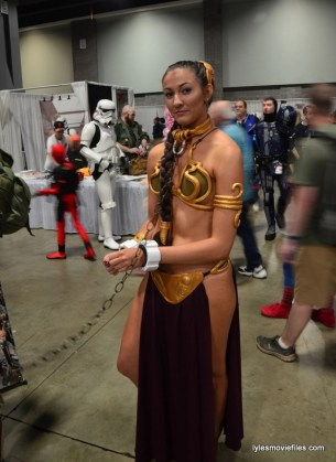 Awesome Con cosplay Day 2 -Slave Leia