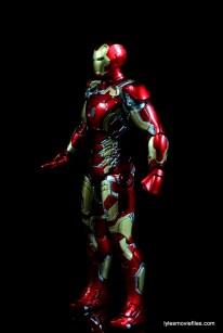 Iron Man Mark 43 Comicave Studios Omni Class Scale figure - left side