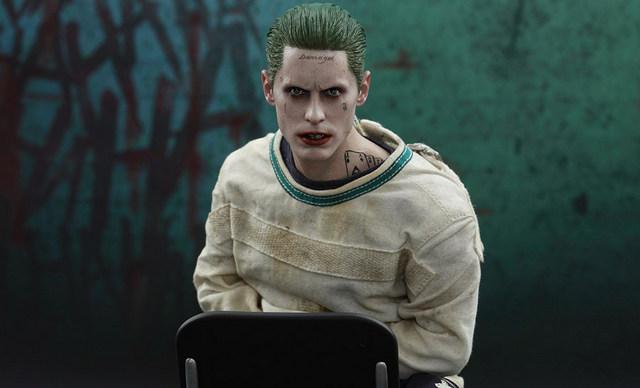 Hot Toys The Joker Arkham Asylum version - main pic
