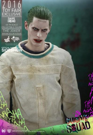 Hot Toys The Joker Arkham Asylum version -standing