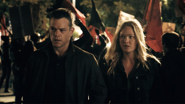 Jason Bourne pictures -Matt Damon and Julia Stiles-min