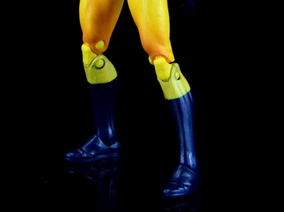 Marvel Legends Hellcat figure review -knee paint