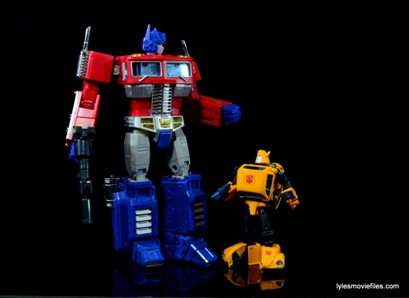 Transformers Masterpiece Bumblebee review -scale with Optimus Prime