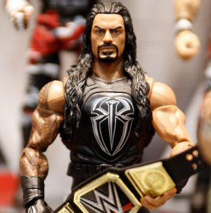 WWE Elite 44 - Roman Reigns