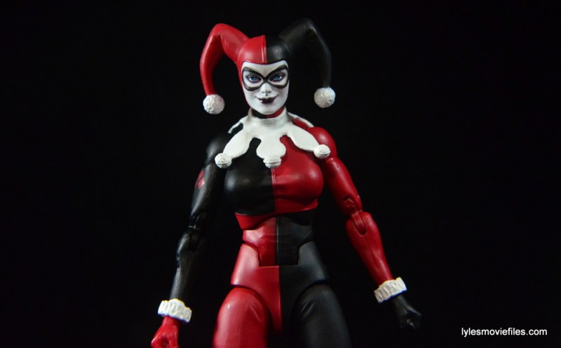 DC Icons Harley Quinn figure review -wide pic