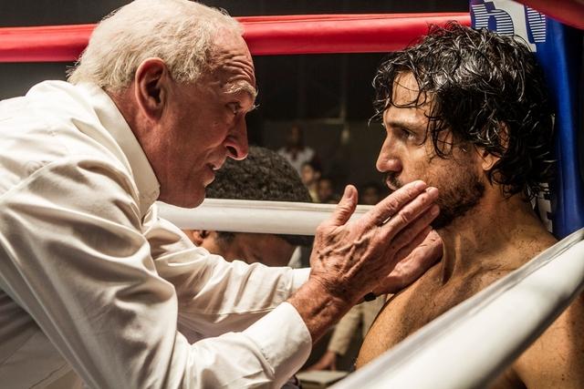Hands-of-Stone-review-Robert-De-Niro-and-Edgar-Ramirez
