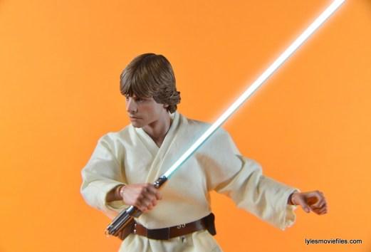 Hot Toys Luke Skywalker figure review - Luke holding lightsaber to side