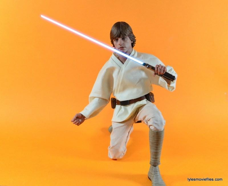 Hot Toys Luke Skywalker figure review - Luke kneeling with lightsaber