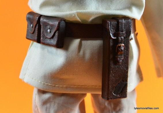 Hot Toys Luke Skywalker figure review -belt detail