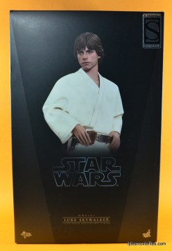 Hot Toys Luke Skywalker figure review -package front