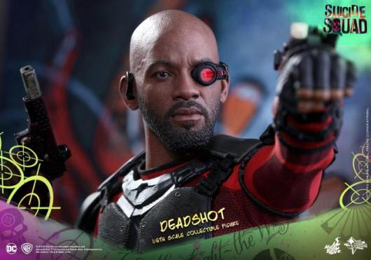 Hot Toys Suicide Squad Deadshot figure -closeup